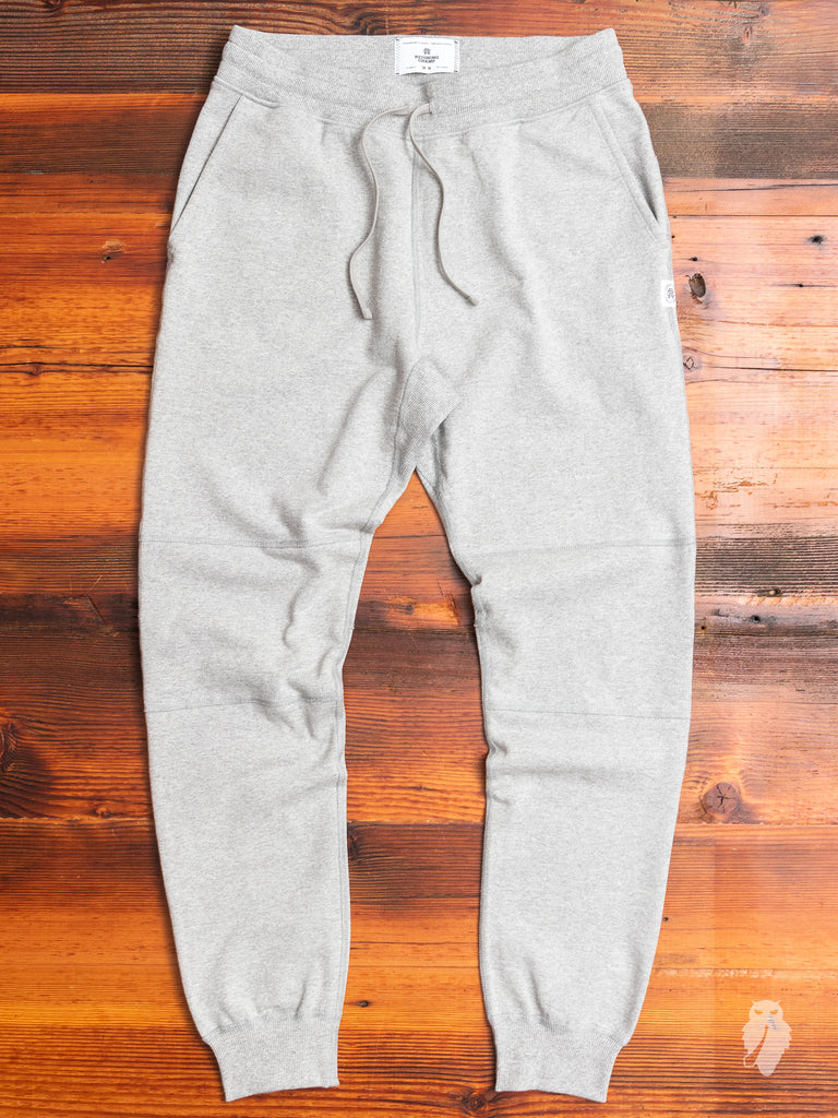 Heavyweight Fleece Slim Sweatpant in Heather Grey