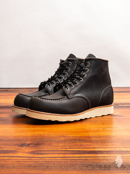 8890 Classic Moc Boot in Charcoal Rough & Tough