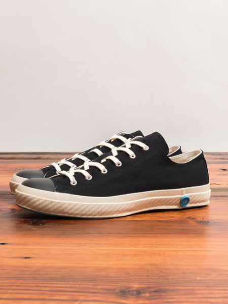 01JP Low Top Sneaker in Black