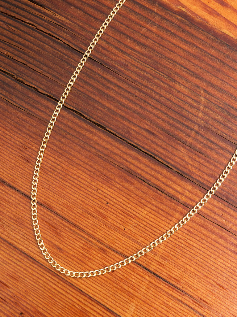 Curb Chain in Gold