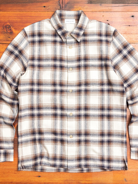 Sly Straight Hem Flannel in Natural x Navy
