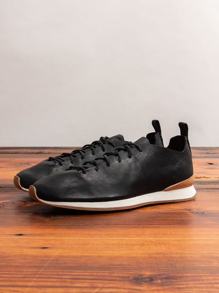 Runner Sneaker in Black