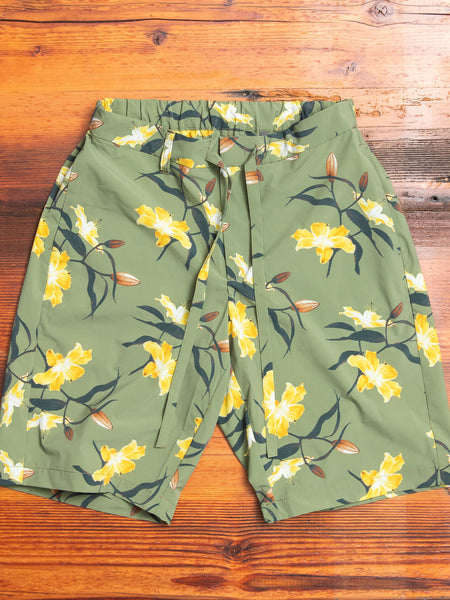 Relaxed Shorts in Yellow Flowers