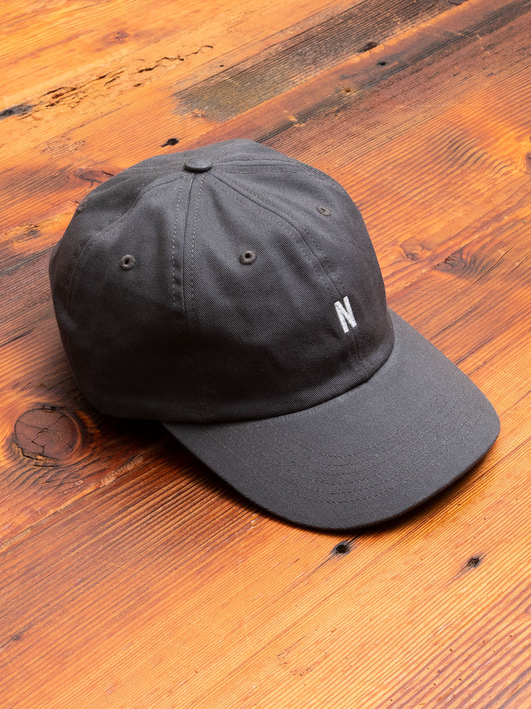 Twill Sports Cap in Magnet Grey