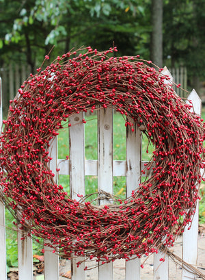Red Pip Berry Wreath