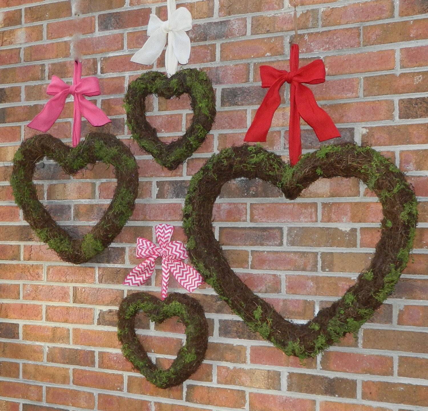 Heart Wreath - Valentine Decoration - Valentine Wreath - Choose Bow - Quick Ship