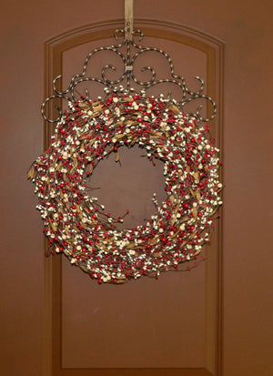 Red & Cream Berry Wreath with Leaves
