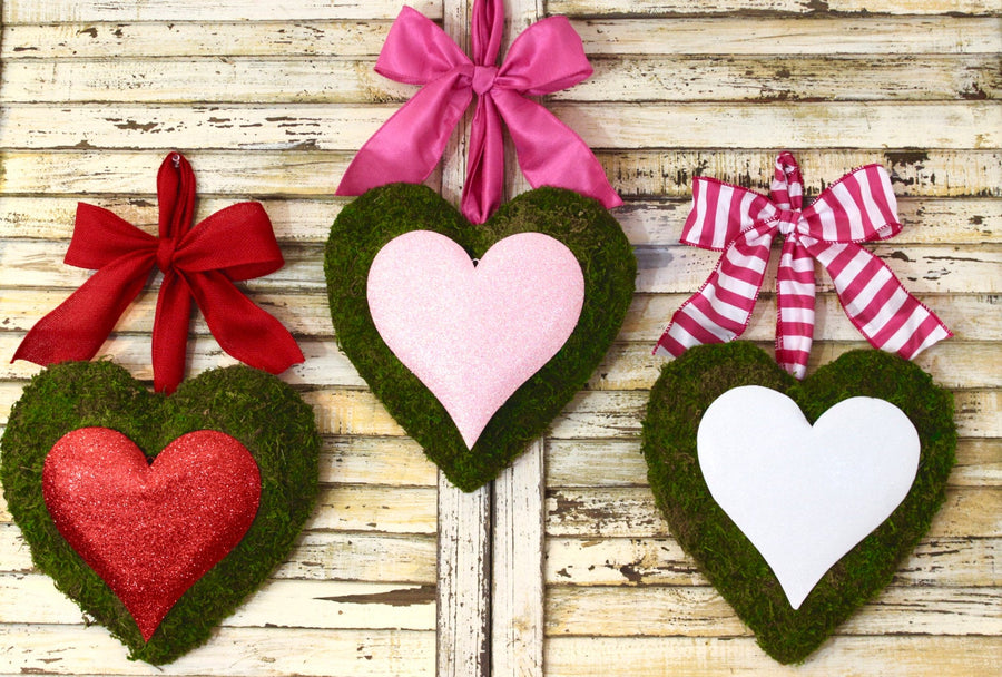 Heart Wreath - Valentine Wreath - Valentine's Day Party Decoration - Choose Bow