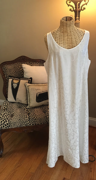 Linda Hartman Intimates Night Gown (Creme)