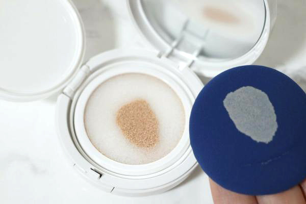 Mr. Song Millinery A.C Free -T Control Liquid Foundation Cushion Compact