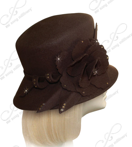Beautiful Bucket Style Hat In Luxuriously Soft Felt - Brown