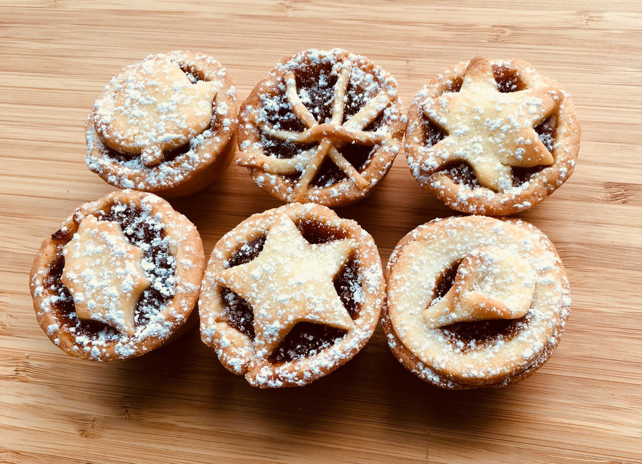 Christmas Pies.Christmas Fruit Mince Down Under Bakery Dub Pies