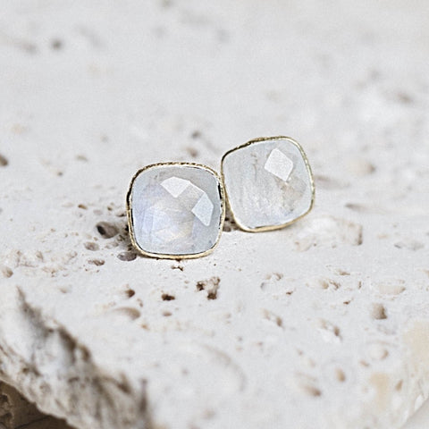 Lizzy Earrings- Moonstone + Gold