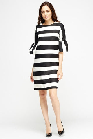 Frill Sleeve Shift Dress | MONOCHROME