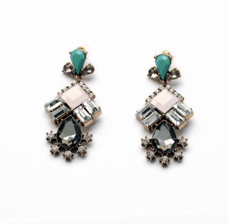 'Serena Van Der Woodsen' | Earrings - Wardrobe Wilderness