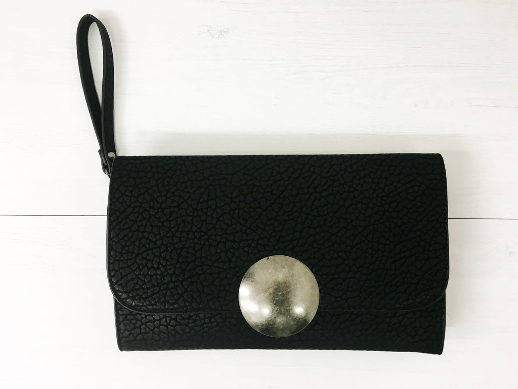 The 'Marbella' Clutch | BLACK - Wardrobe Wilderness