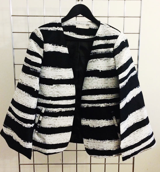 Structured Cape Blazer | MONOCHROME