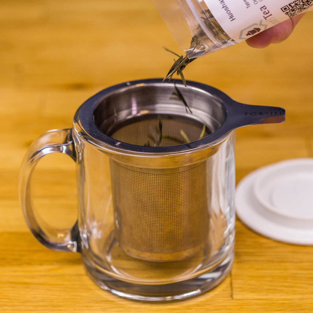 Tea flight is easy to use with the included infuser and mug