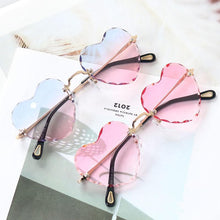 Load image into Gallery viewer, 8 Colors Gradient Heart Sun Glasses SP14933