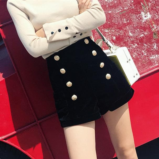 Black High Waisted Woolen Shorts S13041