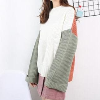 Loose Flare Sleeve Pullover Sweater SP1710796