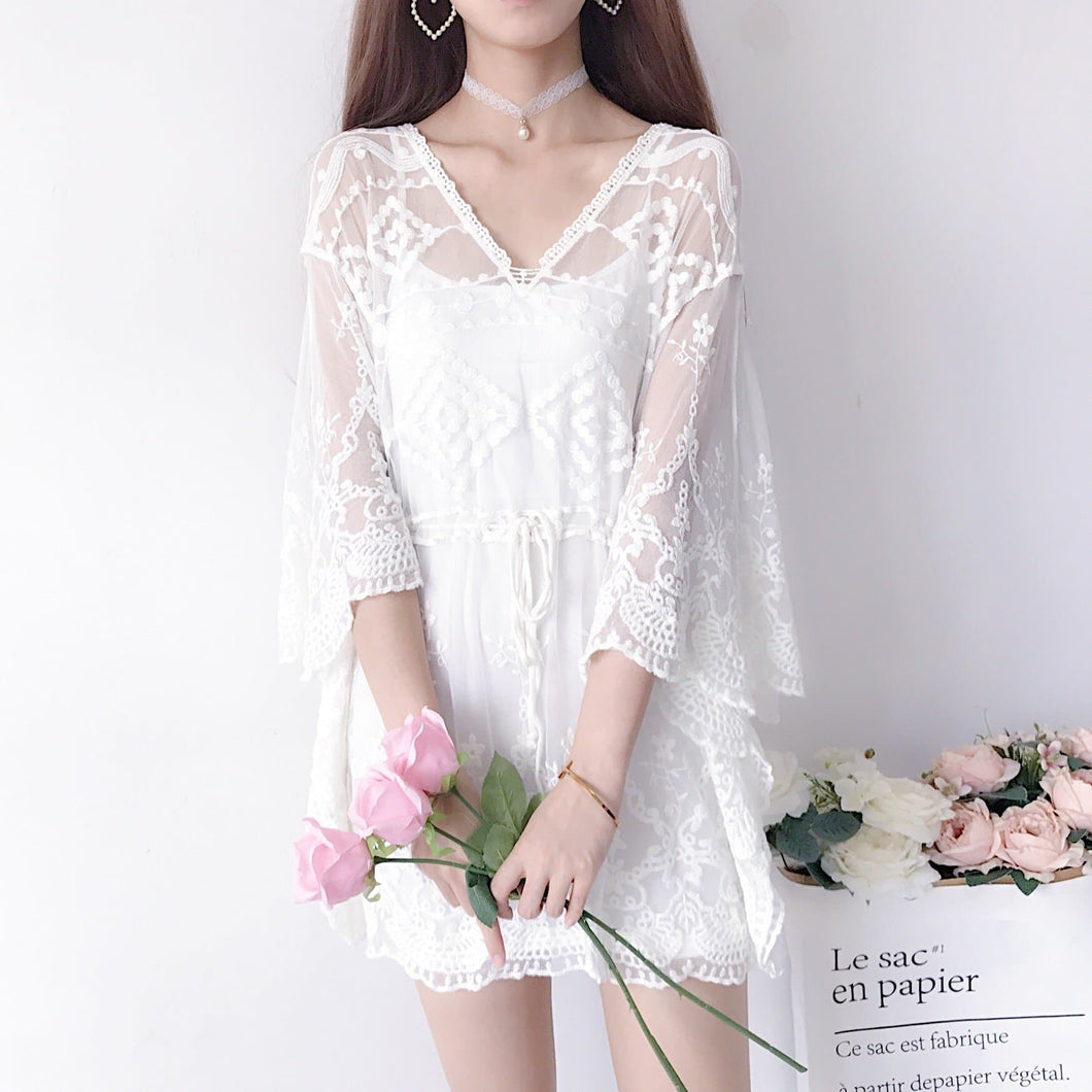 White/Beige Sweet Lace Batwing Sleeve Shirt SP13591