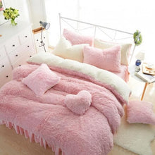 Load image into Gallery viewer, Warm Plush Bed Skirt Style  Bedding Set SP15227