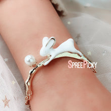 Load image into Gallery viewer, Playful Bunny Ring Bracelet SP179490