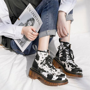 Retro Cute Cow Lace Up Martin Boots SS0883