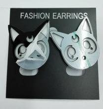 Load image into Gallery viewer, Adorable Sailor Moon Luna Earring SP152244
