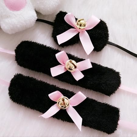 Black/White Fluffy Bowtie Bell Maid Accessories Set SP165855