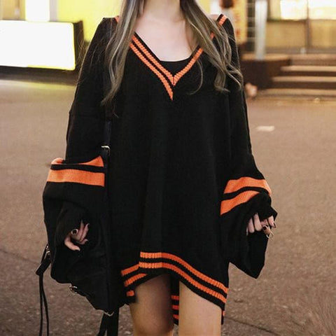 Black Oversized Long Sleeve Vneck Sweater SP178824