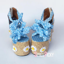 Load image into Gallery viewer, Blue Grids Daisy Dream Pump Shoes SP1710004