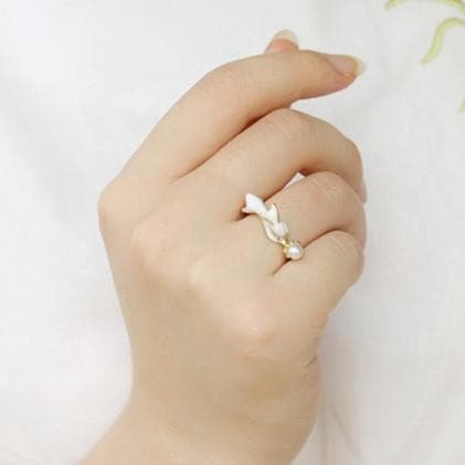 Playful Bunny Ring SP179490