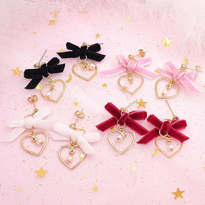 Sweet heart Pearl Bow Velvet Earrings SP179202