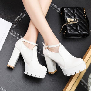 White/Black Lolita High Heel Boots SP179634