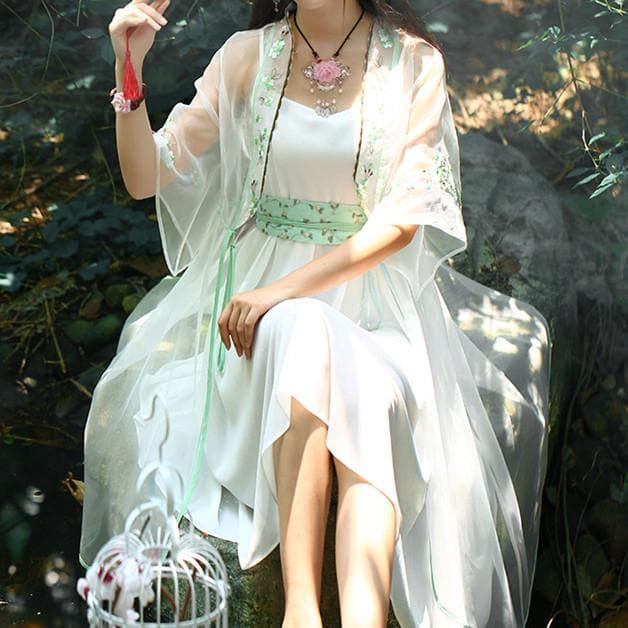 White Elegant Forest Fairy Embroidery Petticoat Cardigan SP179046