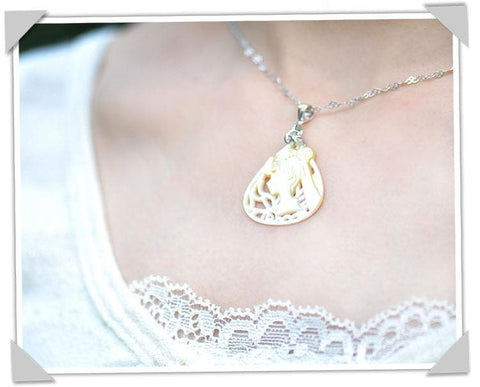Yellow Pearl Shell Silver Necklace SP167373