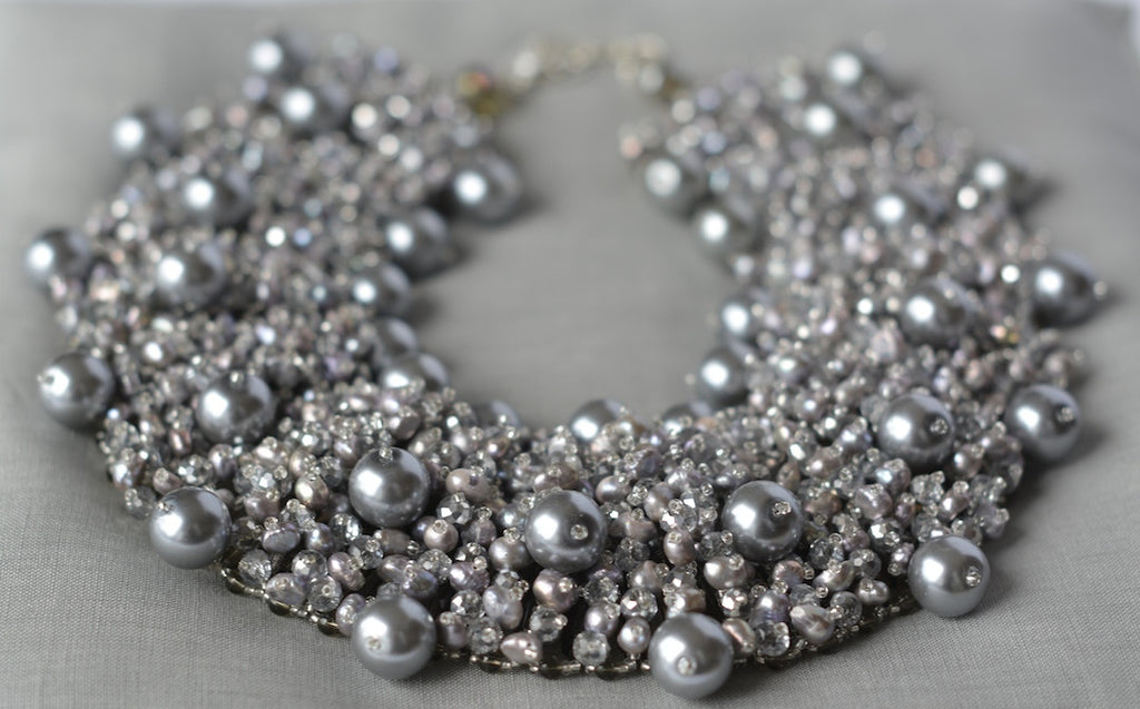 Pearl statement necklace in gris/argent - MaiTai Collection  - 3