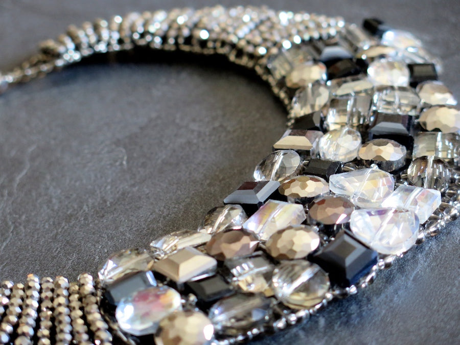 Crystal collar necklace - mocca