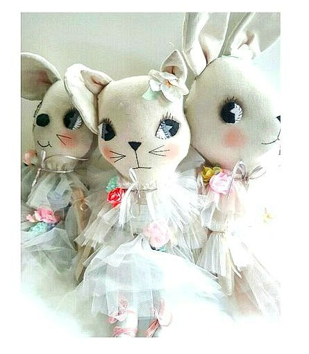 MADE TO ORDER 56cm grande dolls ~ little flowers