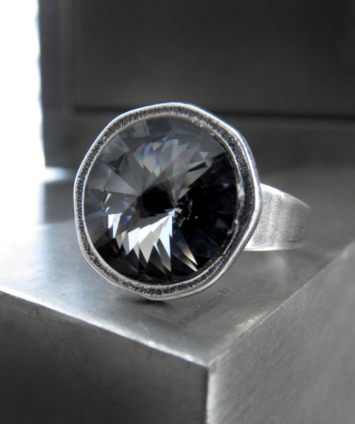 Black Night Round Crystal Ring with Swarovski Crystal