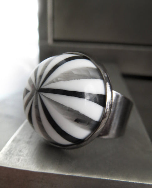 CIRQUE - Funky Festival Rave Ring with Grey Black White Stripe Vintage Cabochon - Halloween Ring, Cosplay Jewelry, Festival Wear, Unisex