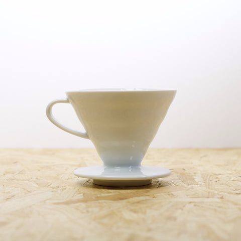 Hario Ceramic White Dripper 02