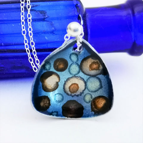 Indicate - Inky Cupped pendant