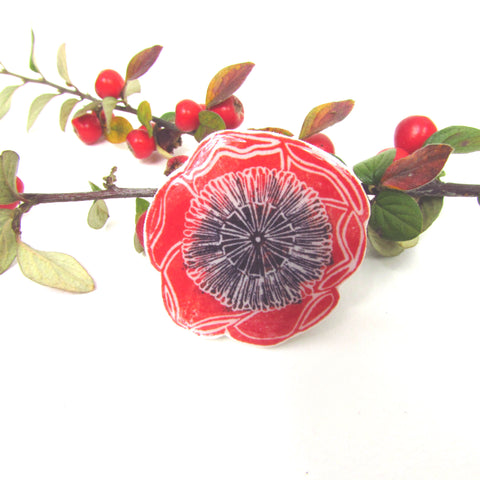 Papaver head pin badge