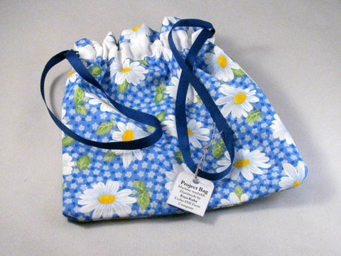 "Blue/White Daisies Hand Sewn Self-locking Project Bag (8"" x 10)"