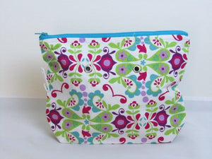 "Floral Design (Pink/Green/Blue)-- Handsewn Project Bag with Grommets (7"" x 9"")"
