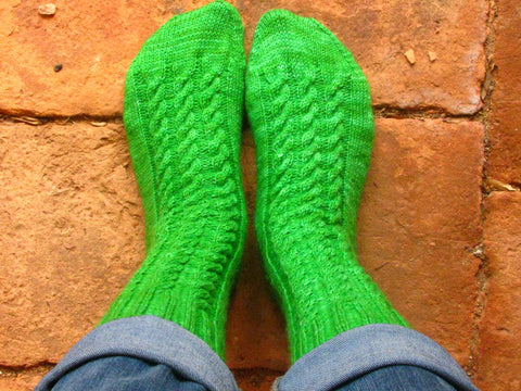 Garden Gate Cabled Socks -- Knitting Patterns -- PDF Download