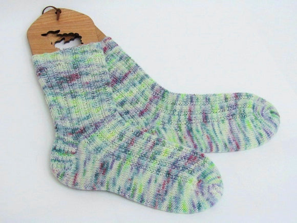 Hiker Chick Socks -- Knitting Patterns -- PDF Download